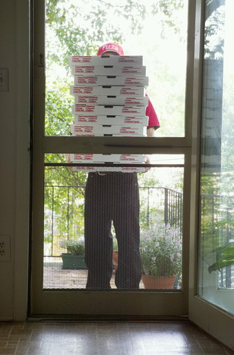 Victor Lampe delivers pizzas